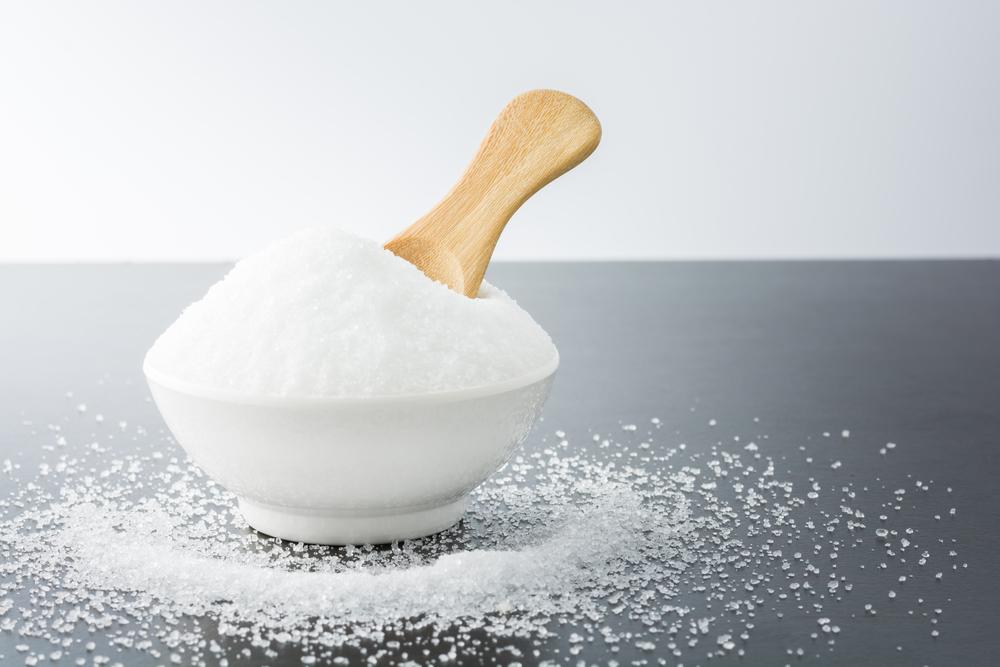 Conheça os tipos de açúcar e suas diferenças: açúcar refinado