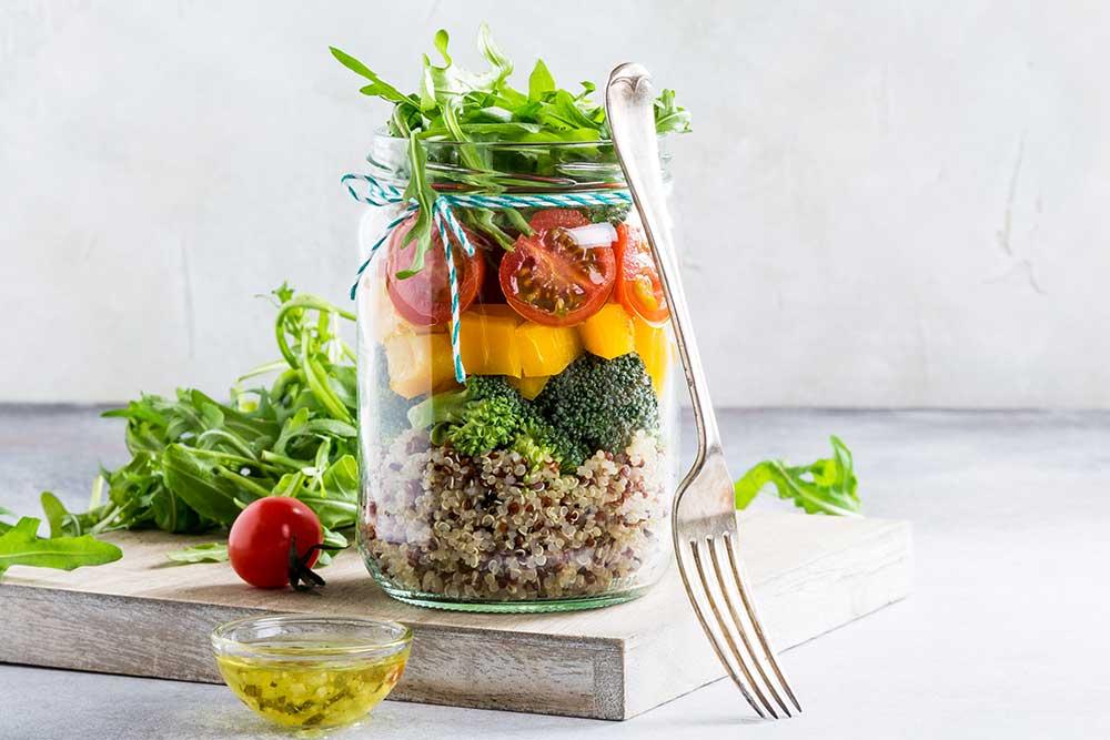 Salada de pote: saiba como fazer a sua - Vitao Alimentos
